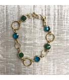 Armbånd med grønne og blå glasvedhæng